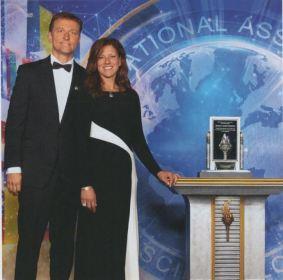 Silver Meritorious - Eric & Karen Berg 500.000