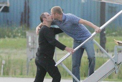 What_s going on 7 John Travoltas nimmt Abschied
